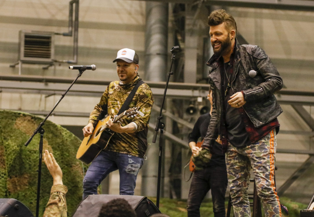 LOCASH performs for U.S. troops